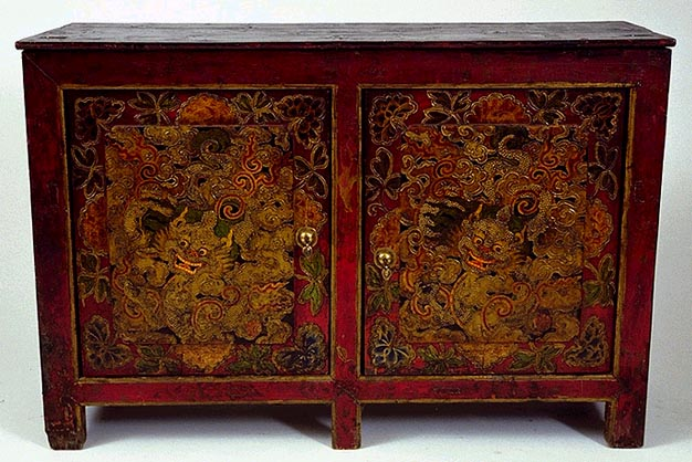 Cabinet with Relief Painting of Dragons